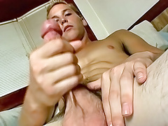 Young Str8 10-Pounder Wakes Up and Jerks Off - Puppy