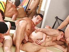 Groupie 3