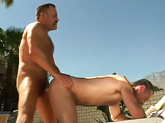 Bear mature gay fucks dilf in doggy style outdoor