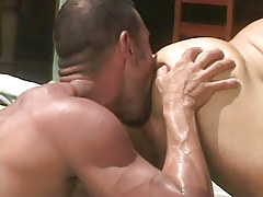 Bear dilf licks out tight guys hole